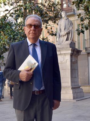 Antonio Luis García, en la plaza Alonso Cano de Granada