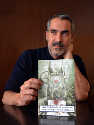 Su padre plantó un árbol, Carlos tiene un hijo y ha escrito varios libros