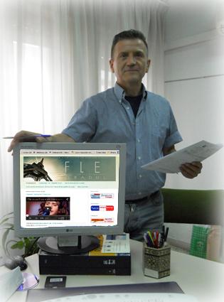 Ortega ha dedicado muchas horas para poner en marccha el blog de centro y de aulas