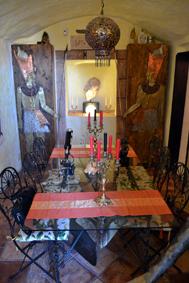 Una de las salas bellamente decoradas