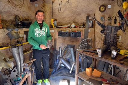 Cueva en la que realiza los trabajos de forja