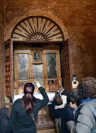 ALHAMBRA abierto retablo pu