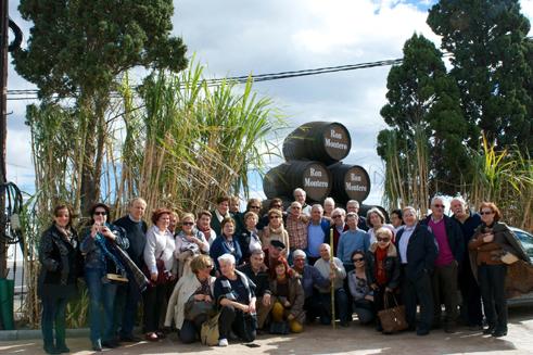 Foto de familia del grupo de maestros participantes en la salida costera/ BRG