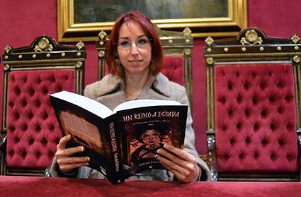 Natividad ballesteros en el ayuntamiento de Granada donde presentará su libro/ A.A.