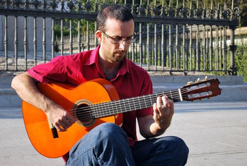 Rafael Hoces, profesor de guitarra en el Conservatorio de Música Ángel Barrios/A.A.