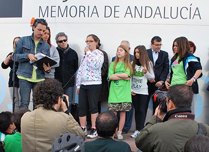 Acto de VegaEduca en la explanada del Museo de la Memoria /A.A.