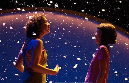 Lavi e bel en una escena de Sol y luna