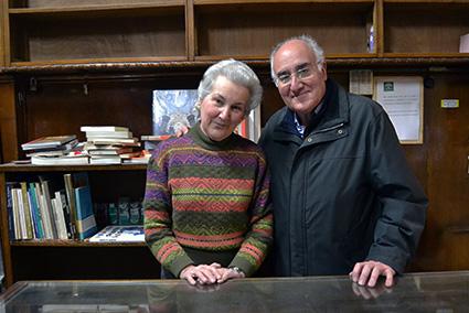 Los hermanos Espinosa heredaron de su padre la librería Estudios/ A.A.