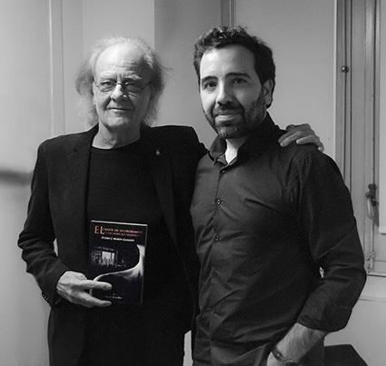 Pedro Marín junto a su admirado Luis Eduardo Aute/FACEBOOK DEL AUTOR