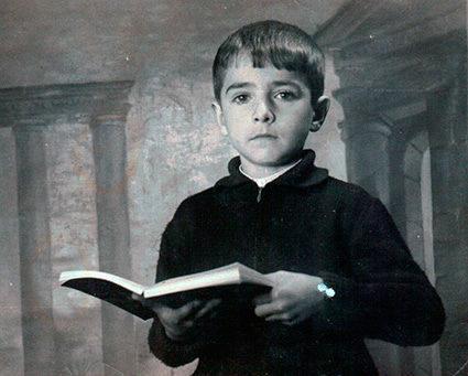 Antonio Luis Gallardo en su primera foto de escolar