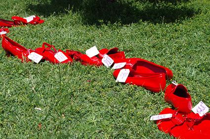 ies-hlanz-zapatos-rojos-2