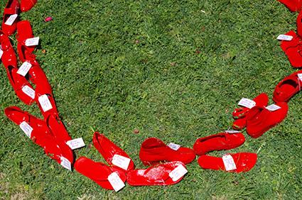 ies-hlanz-zapatos-rojos-3