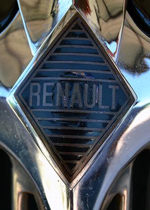 rosendo-sanchez-renault-monaquatre-3-logo