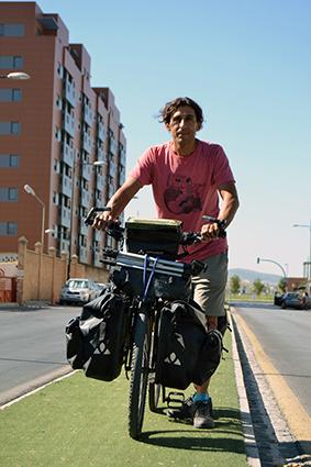 Salva ha cumplido su sueño de dar la vuelta al mundo en bicicleta/A.A