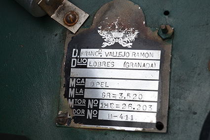 Paco-Vallejo-opel-regent-placa