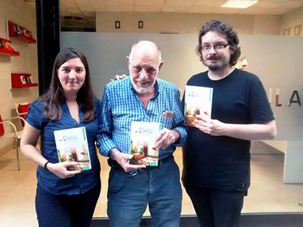 Matias Freudenthal con sus editores Mariana Lozano y Víctor M. Gallardo/ ESDRÚJULA