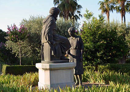 Estatua de Bboadil en el Paseo del Violon/A.ARENAS