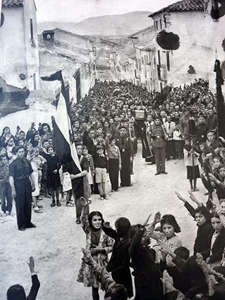 leandro-Entierro-caidos-galera-1939