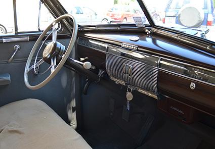 miguel-serrano-y-cadillac-sedan-del-39-2-salpicadero