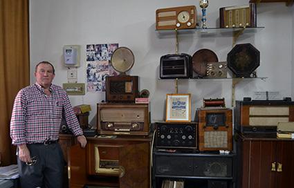 francisco-mercado-coleccionista-de-radios-1