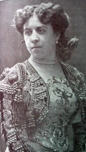 Fotografía de María Galvany publicada el 15 de de septiembre de 1909 en el número 83 de 'Actualidades'. Autor: Varischi