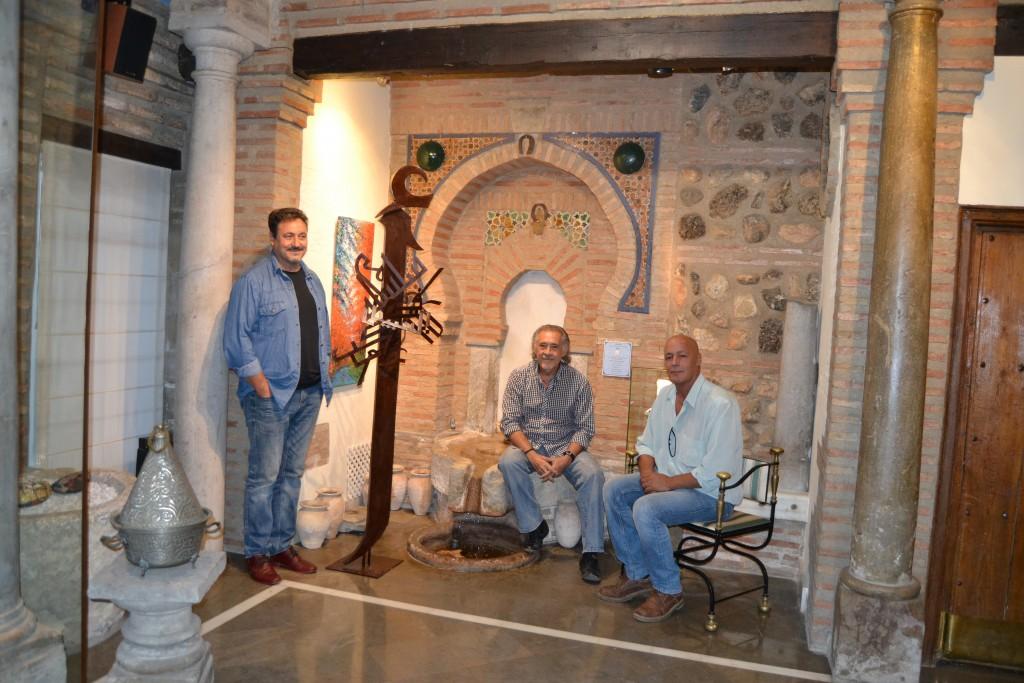 Andrés Rueda, pedro Enríquez y Yamal Dim, en el Torreón de Cotilla/A.ARENAS