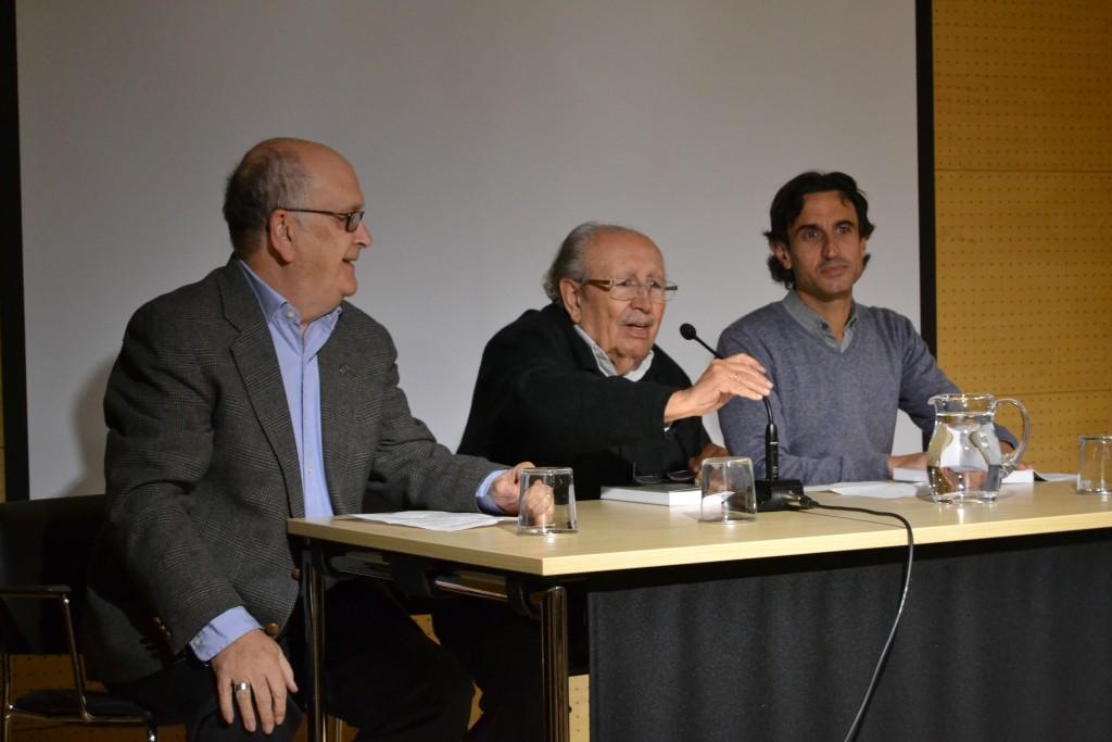 Álvaro Slavador, Rafael Guillén y Juan José, al inicio del acto celebrado en La Madraza/A. ARENAS