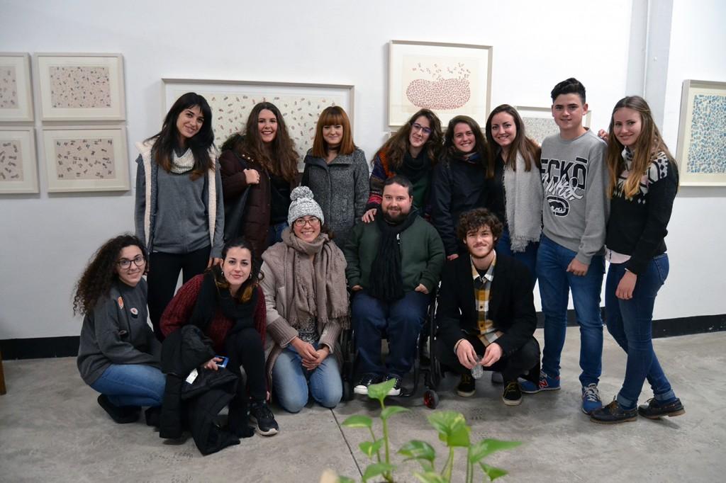 Emilio Luis con algunos de sus alumnos universitarios 20/12/2016 FOTO: ANTONIO ARENAS