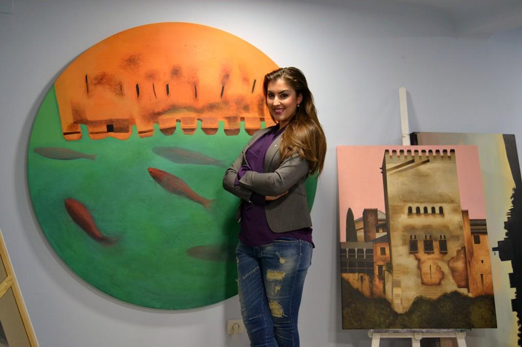 Paloma Ruiz de Almodóvar y su original obra dedicada al patio de los Arrayanes/A. ARENAS