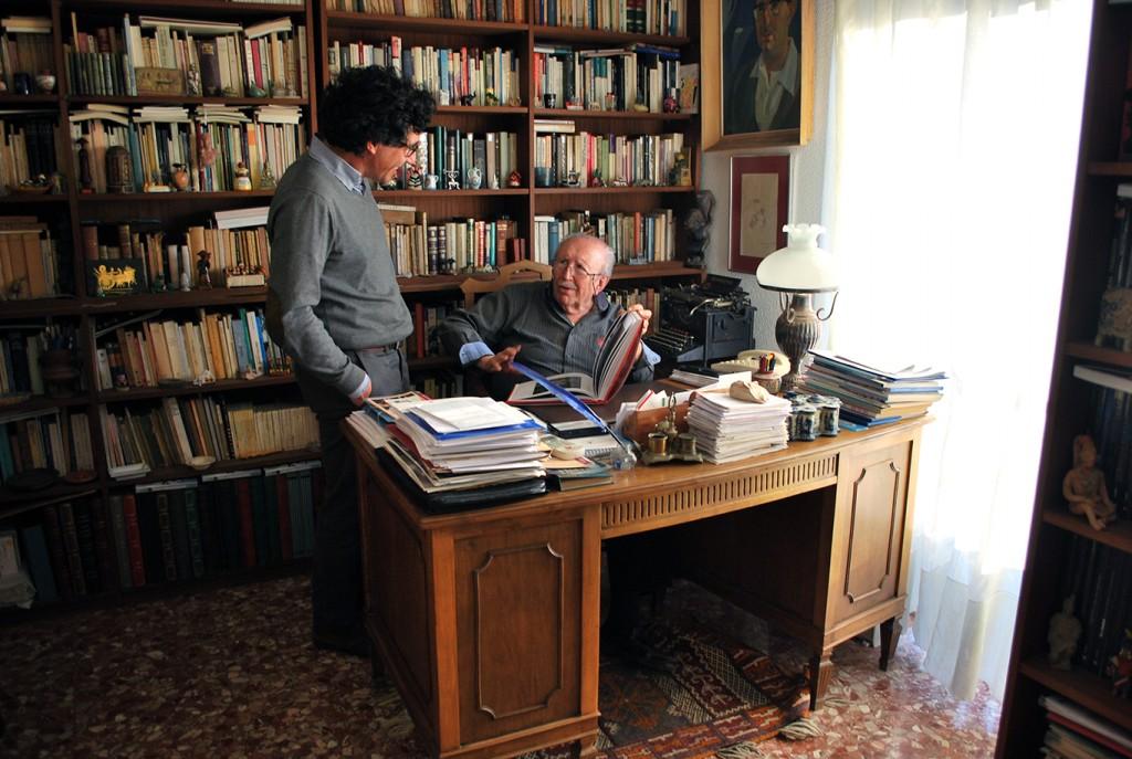 Ángel Sánchez y Rafael Guillén conversan sobre el libro 'La Alhambra. Suite del silencio y de los sentidos' 28/12/2016 FOTO: ANTONIO ARENAS