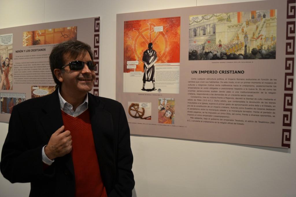 José Soto Chica, doctor en Historia Medieval e investigador del Centro de estudios Bizantinos, Neogriegos y Chipriotas y comisario de la muestra/A. ARENAS