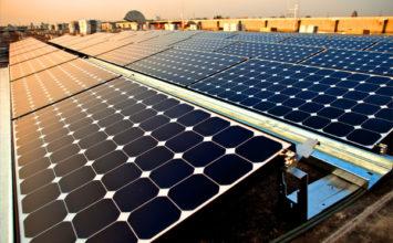 ¿Merece la pena instalar kits de energía solar en empresas?